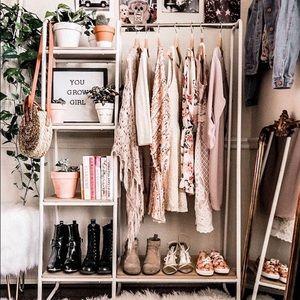 SALE!! closet clear out!! huge discounts!!